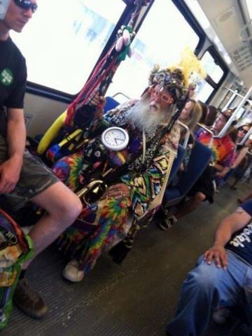 Люди, которых можно встретить только в общественном транспорте (ФОТО)
