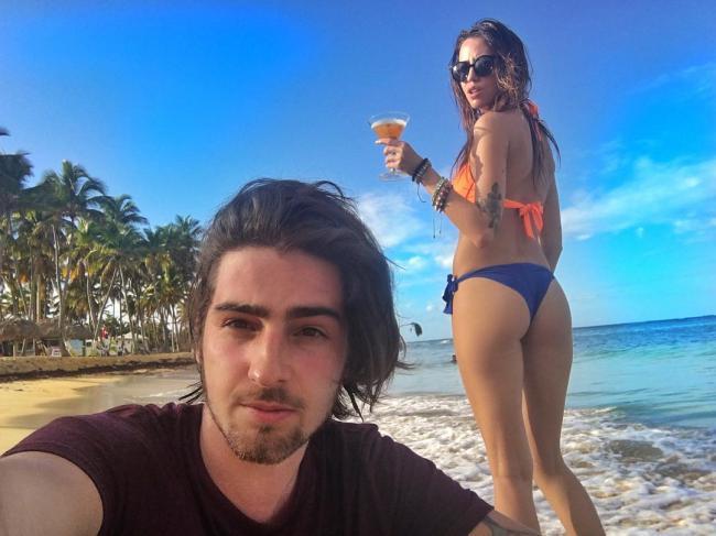Дантес и Надя Дорофеева проводят отпуск на пляже (ФОТО)