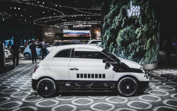 """Знаменитое тюнинг-ателье превратило автомобиль Fiat в персонажа из """"Звездных войн"""" (ФОТО)"""