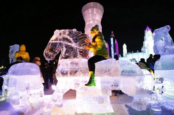 Шедевры ледяной архитектуры из Китая (ФОТО)