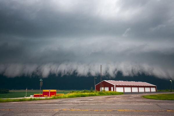Мощь природы: потрясающая подборка снимков экстремальных погодных условий (ФОТО)