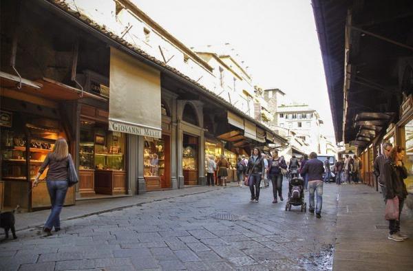 Понте Веккьо – средневековый мост магазинов (ФОТО)