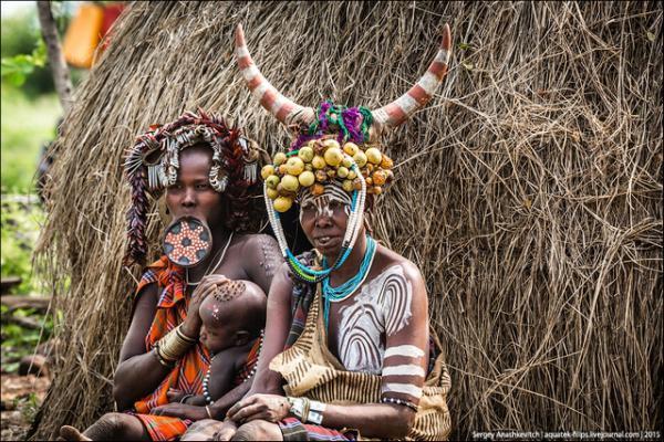 Африканские нравы. Эталон женской красоты в Эфиопии (ФОТО)