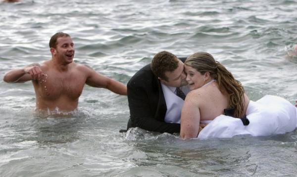 Самые необычные свадебные церемонии в мире (ФОТО)