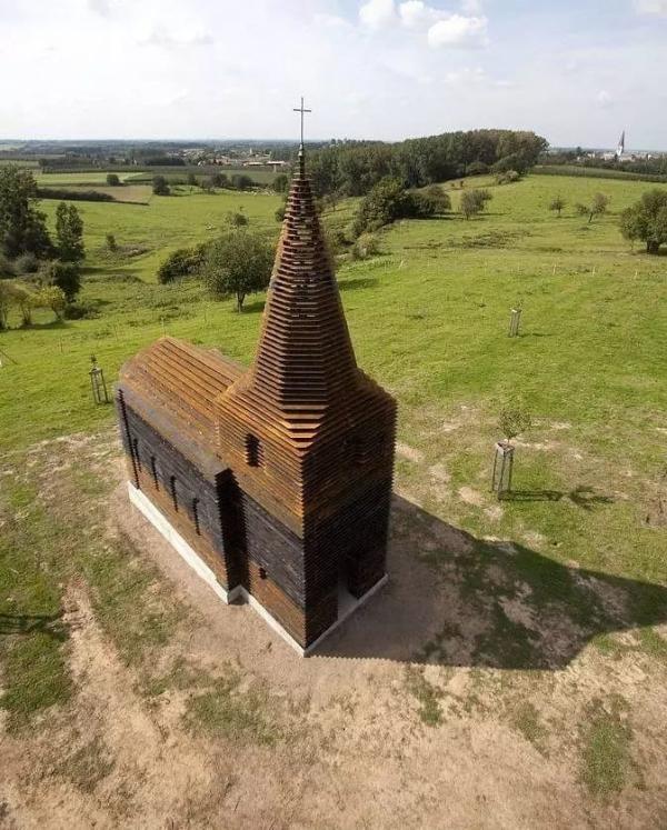 Бельгийский художник создал необычную церковь (ФОТО)
