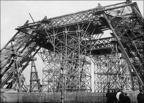 Гордость Франции: как строилась знаменитая Эйфелева башня (ФОТО)