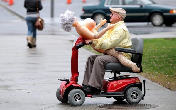 Подборка абсурдных снимков из соцсетей (ФОТО)