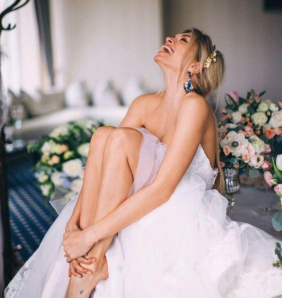 Вера Брежнева снова примеряла свадебное платье (ФОТО)