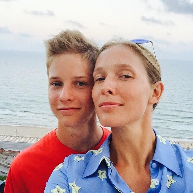 Катя Осадчая поделилась снимками из семейного архива (ФОТО)
