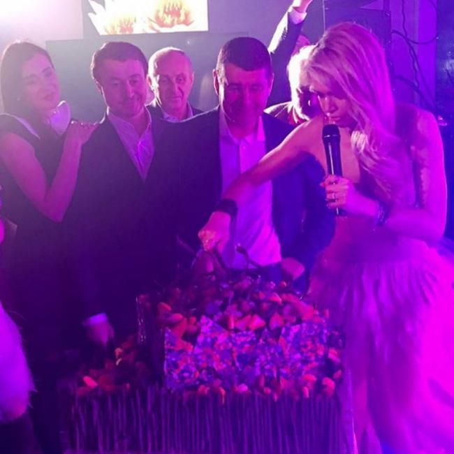Экс-регионал отметил свой день рождение в компании Веры Брежневой (ФОТО)