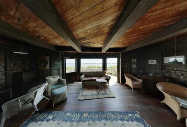 Удивительный трехэтажный дом на скалистом острове (ФОТО)