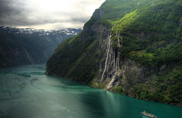 Чудеса природы: водопад Семь сестер в Норвегии (ФОТО)