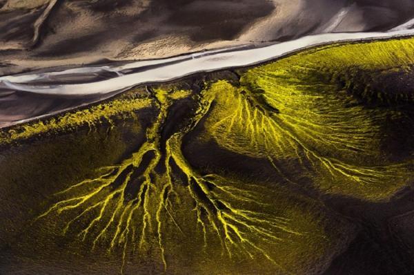 Все краски Исландии с высоты птичьего полета (ФОТО)