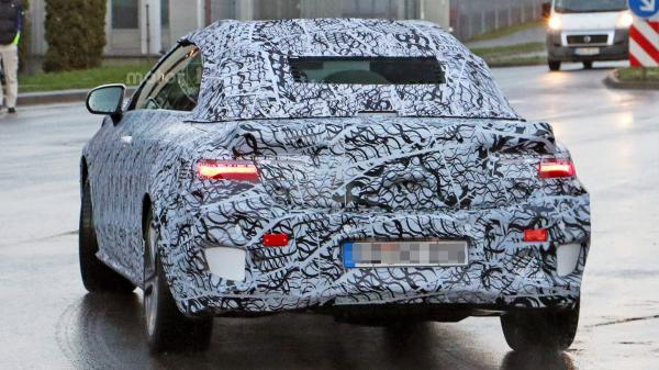 Новый кабриолет Mercedes-Benz впервые замечен на тестах  (ФОТО)