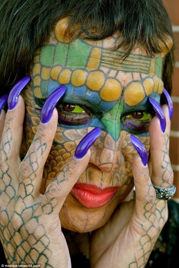 Американский банкир стал женщиной-драконом (ФОТО)