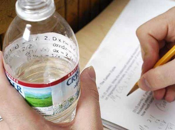 Сделай все, чтобы списать. 15 гениальных уловок, на которые идут студенты (ФОТО)
