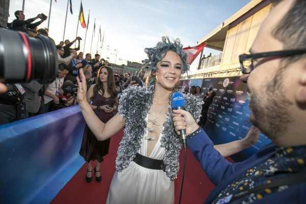 Звездное дефиле. Красная дорожка на церемонии открытия Евровидения 2016 (ФОТО)