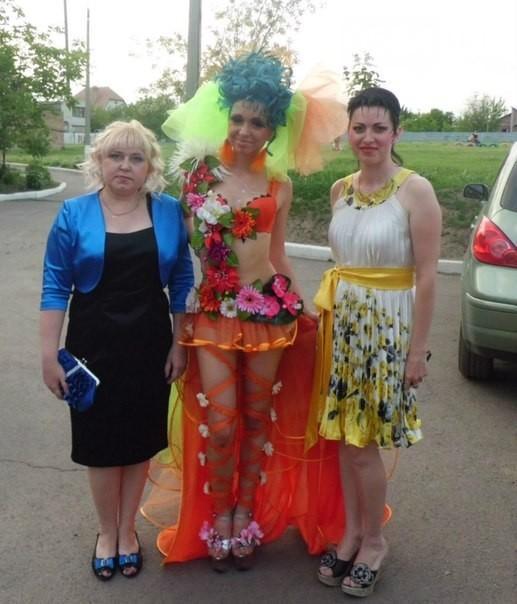 Не делайте так! Самые нелепые и шокирующие наряды выпускниц (ФОТО)
