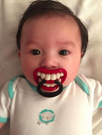 12 младенцев с забавными сосками (ФОТО)