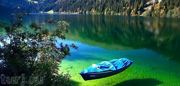 Озеро Пяти Цветов - большая тайна загадочного водоема (ФОТО)