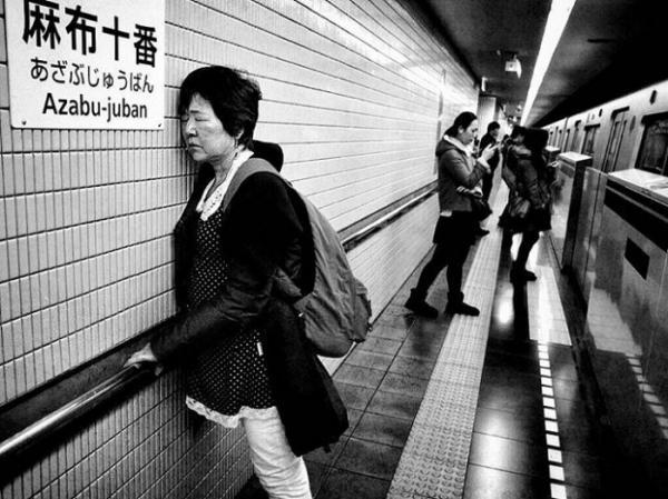 """""""Здесь и сейчас"""": черно-белый фотопроект мастера из Японии (ФОТО)"""