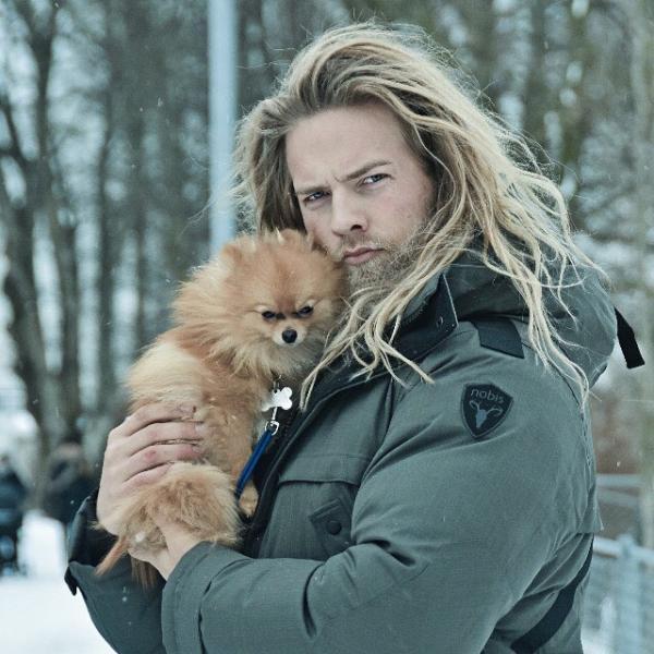 Божественно красивый полицейский из Норвегии стал звездой Instagram (ФОТО)