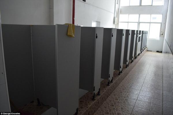 Как выглядят общежития рабочих фабрики, где собирают iPhone (ФОТО)
