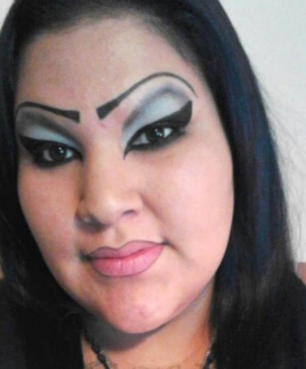 20 убийственных примеров того, как не следует делать макияж (ФОТО)