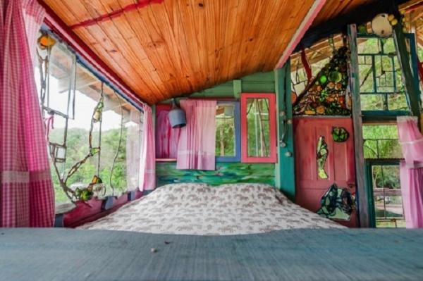 Оригинальный жилой дом на вершине холма райского острова в Бразилии (ФОТО)