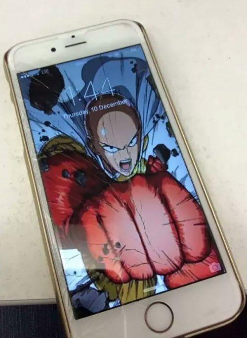 10 креативных способов «починить» треснувший экран смартфона (ФОТО)