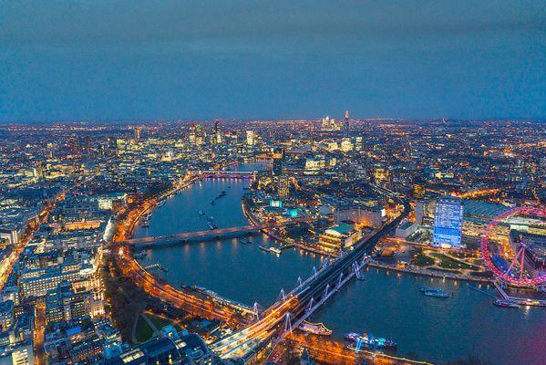 Лондон в огнях. Красота на берегу реки (ФОТО)