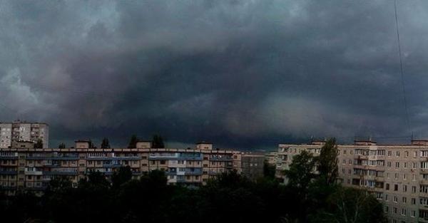 """Последствия """"большой воды"""" в Киеве (ФОТО)"""