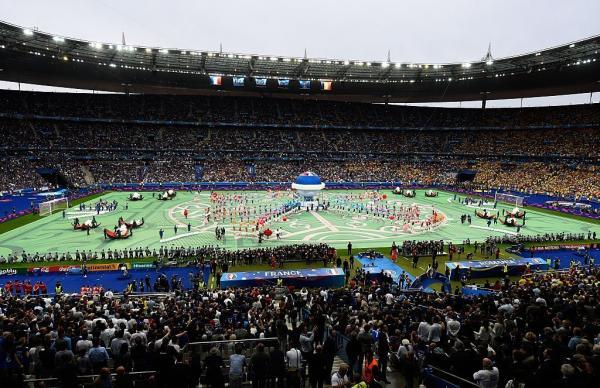 Грандиозная церемония открытия Евро-2016 (ФОТО)