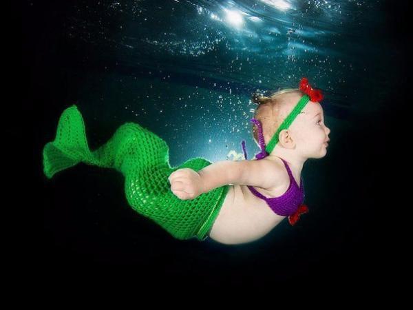 Естественная среда. Как ведут себя дети под водой (ФОТО)