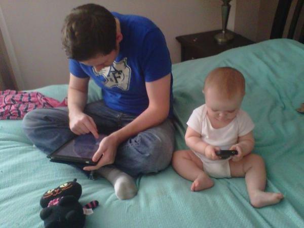 20 забавных кадров, где сыновья — точная копия своих отцов (ФОТО)