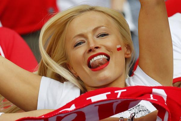 Ярко и спортивно: самые колоритные фанаты на Евро-2016 (ФОТО)