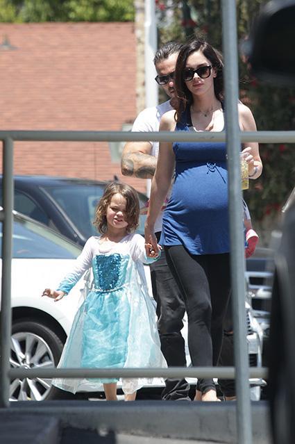 Мальчик или девочка? Меган Фокс одела сына как принцессу (ФОТО)