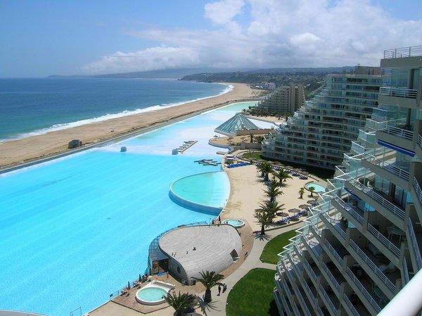 Отдых с размахом: самый большой бассейн в мире (ФОТО)