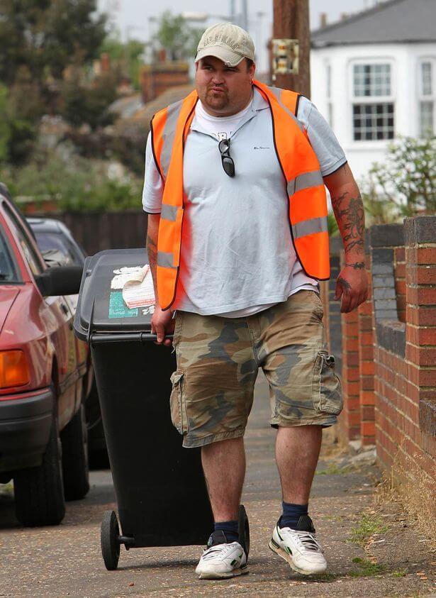 Шальные деньги. Как мусорщик в Британии спустил самый крупный дкекпот (ФОТО)
