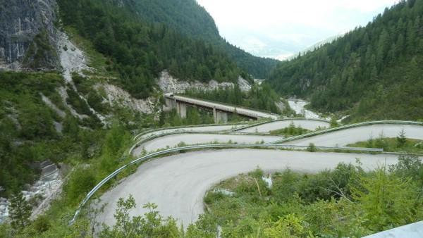 Форселла Лавардет  - одна из самых опасных автодорог планеты (ФОТО)