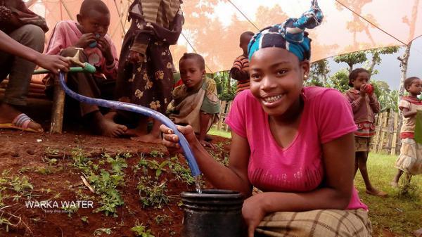 В Африке изобрели конструкцию для добычи питьевой воды из воздуха (ФОТО)