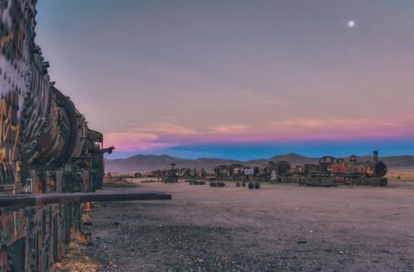Символ несбывшихся надежд: кладбище поездов в Боливии (ФОТО)