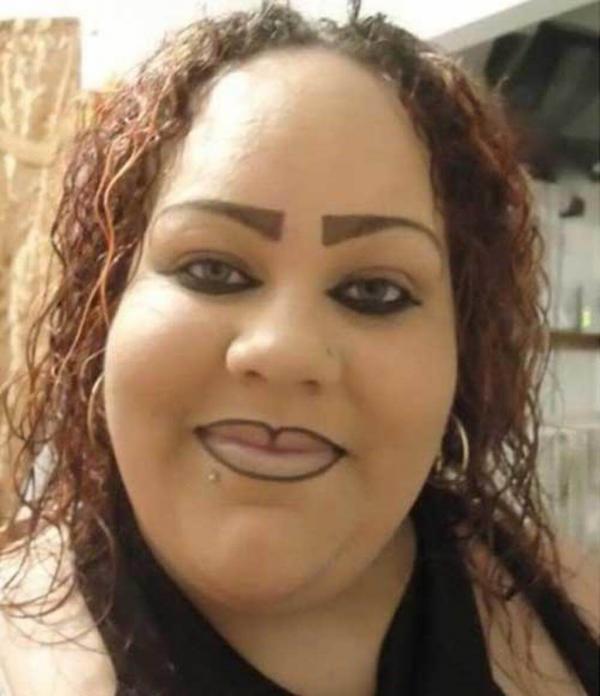 Красавицы, остановитесь: 10 примеров нелепого макияжа (ФОТО)