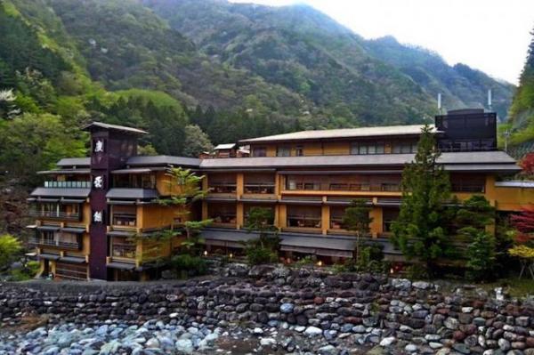 Семейный бизнес: самый старый действующий отель в мире (ФОТО)