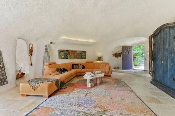 Дорогостоящий эксклюзив: самый необычный дом в Калифорнии (ФОТО)