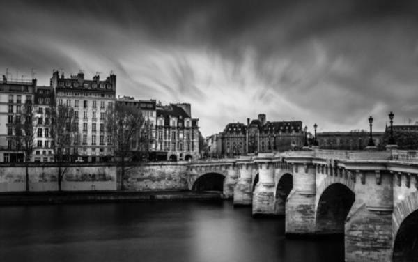 Безлюдный Париж на фотографиях Серджио Рамелли (ФОТО)