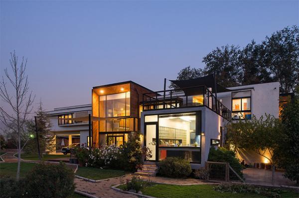 Жилой дом с 24-метровым коридором в Чили (ФОТО)