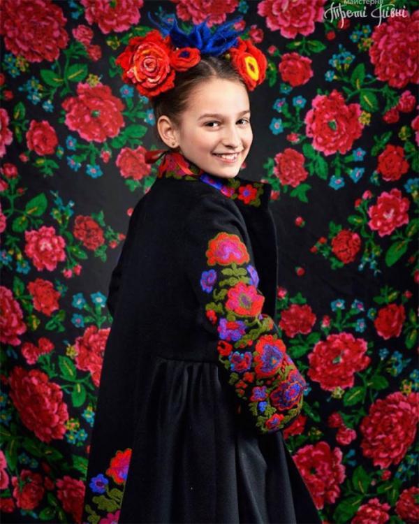Украинский колорит в женских головных уборах (ФОТО)