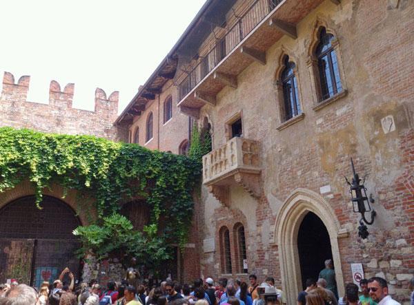 Средневековый дом, отождествляемый с героями Шекспира (ФОТО)