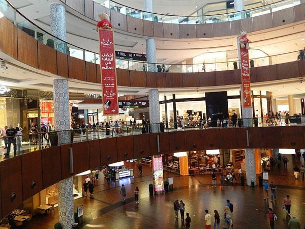 Дубай-Молл: один из крупнейших торговых центров планеты (ФОТО)